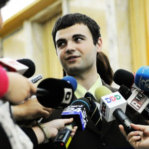 Ionut Budisteanu interviews work projects minister of Eduction