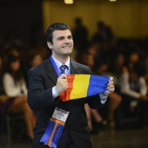 Ionut Budisteanu steagul Roman Alexandru Budisteanu with the Romanian flag